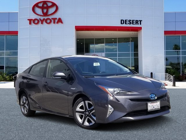 Pre-Owned 2016 Toyota Prius Three Touring With Navigation